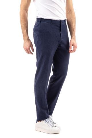 Pantalone in lana comfort seersucker micro fantasia