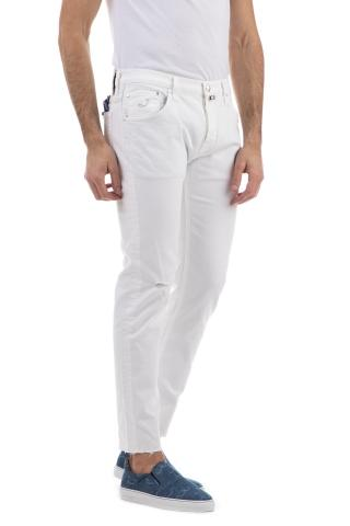 Jeans bianco con rotture j682 comfort