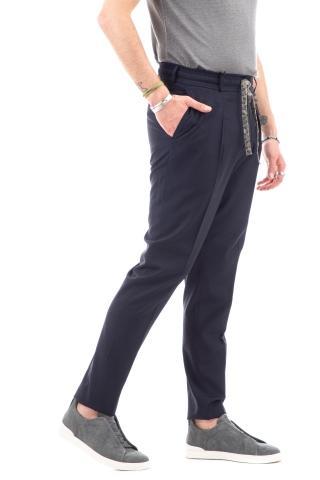 Pantalone in cotone con pinces profonde e coulisse