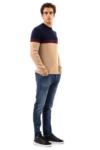 Maglia girocollo color block in lana vergine