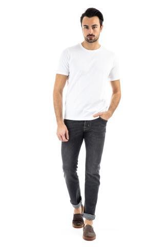 T-shirt con impuntura a due aghi