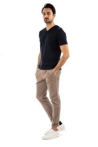 T-shirt scollo a v con doppio profilo