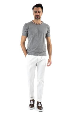 T-shirt con bordino in contrasto